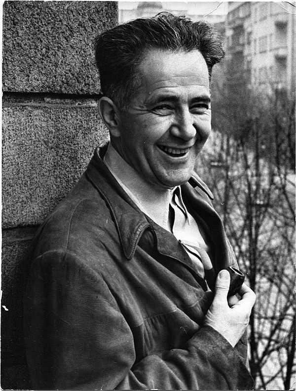Ми́лован Джи́лас (1911- 1995)— югославский политический деятель и литератор